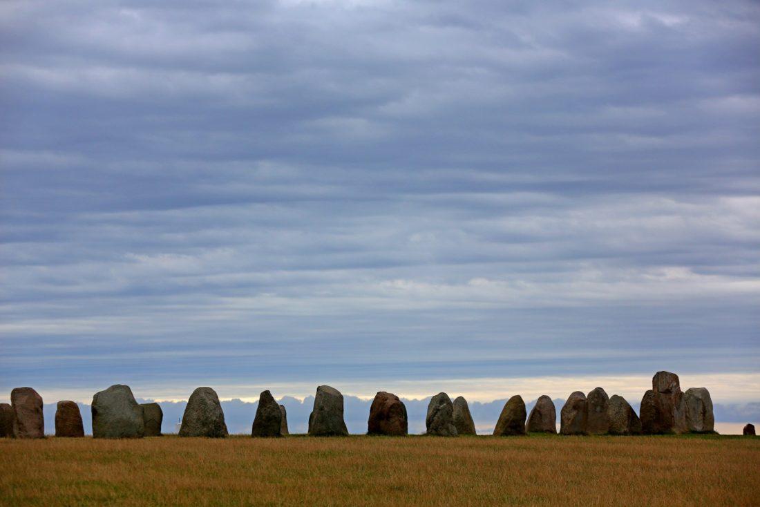 Veld-met-grote-stenen-in-Skane